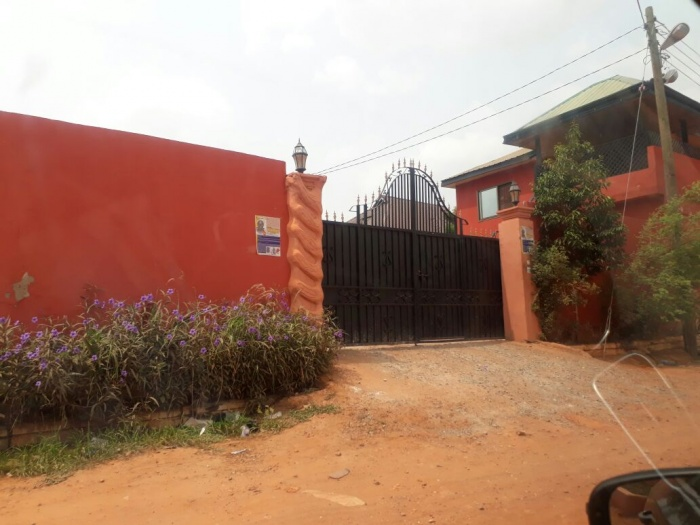 Dodowa  3 Bedroom House,2 Bedroom Flat,3 Shops,2 Self Contained And 1 Bedroom Flat,