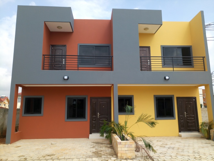 Marivillie Estate 2 Bedroom Plus 1 Bedroom Boys Quarters,