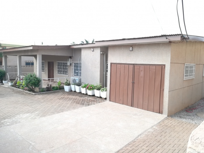 4 Bed House,  Abelemkpe,