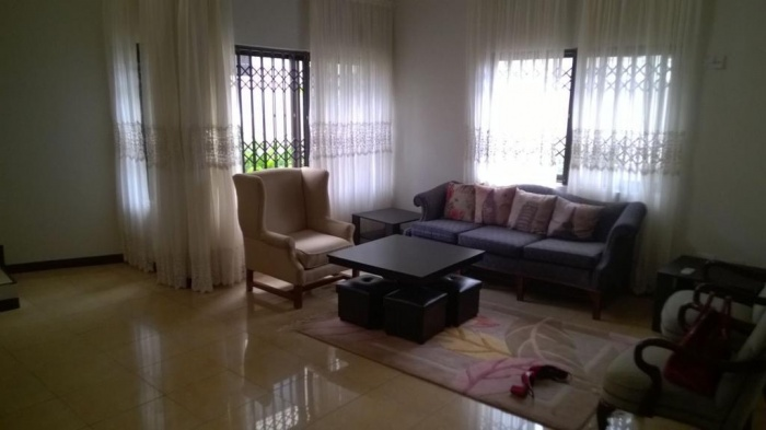 3 Bed House,  Airport ,