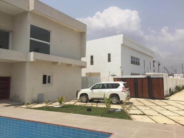 4 Bed House,  East Airport ,