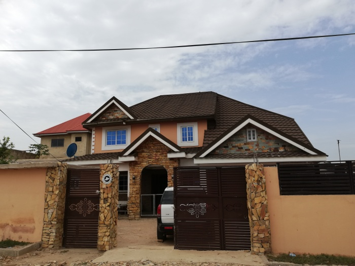 5 Bed House,  Spintex,