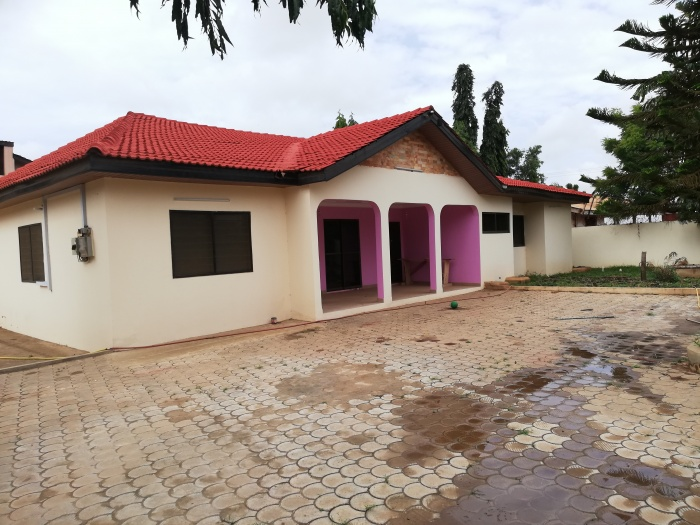 4 Bed House,  Spintex,