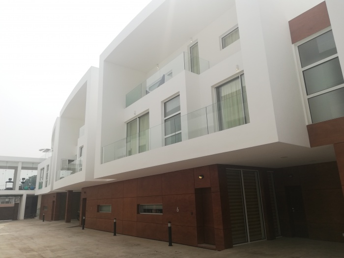 4 Bed House,  Airport,