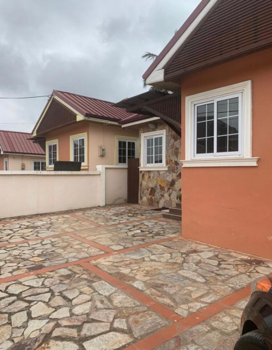 3 Bed House,  Achimota,