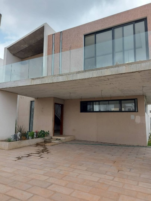 4 Bed House ,  Adjiringanor,
