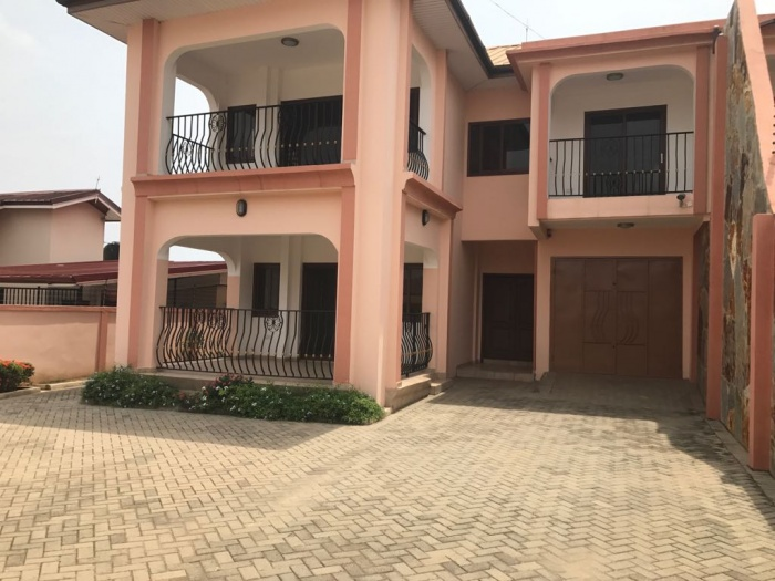East Airport 4 Bed House ,