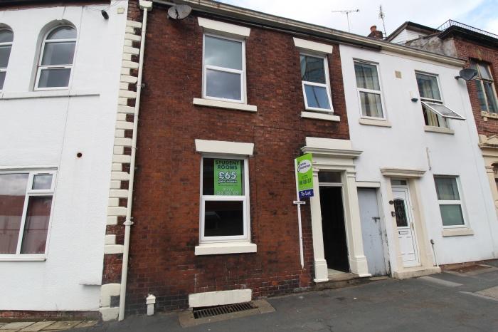 Room 1 - 15 ,  Moor Lane,  Preston,  PR1 7AT