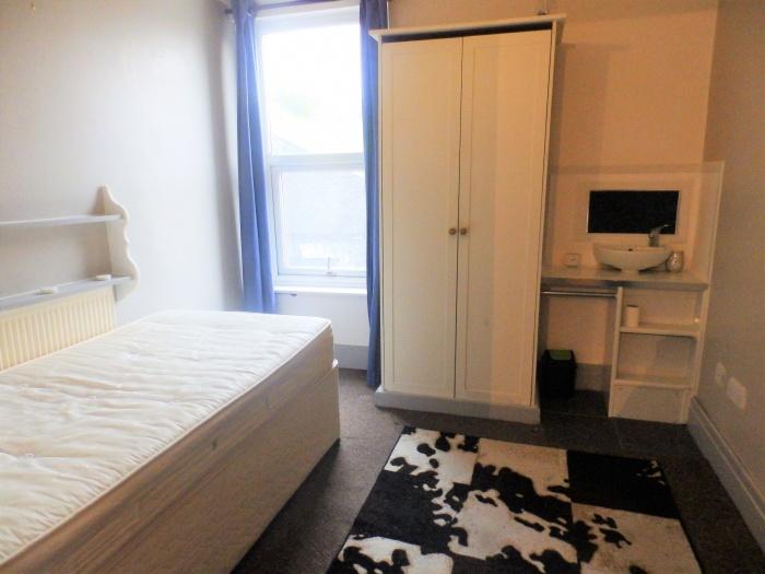 Room 2, 252,  Aqueduct Street,  Preston,  PR1 7JP