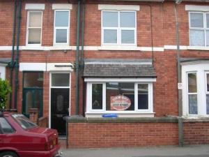 33,  Cowley Street,  Derby  Strtoupper(de1 3sl).