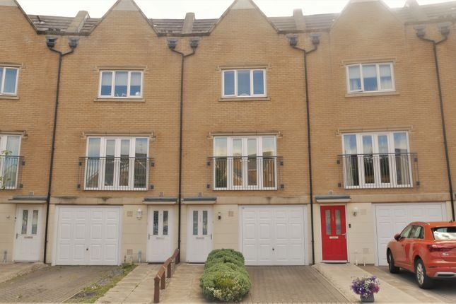 4 Bed Town House for Sale,  Varcoe Gardens,  Hayes,  UB3 2FF