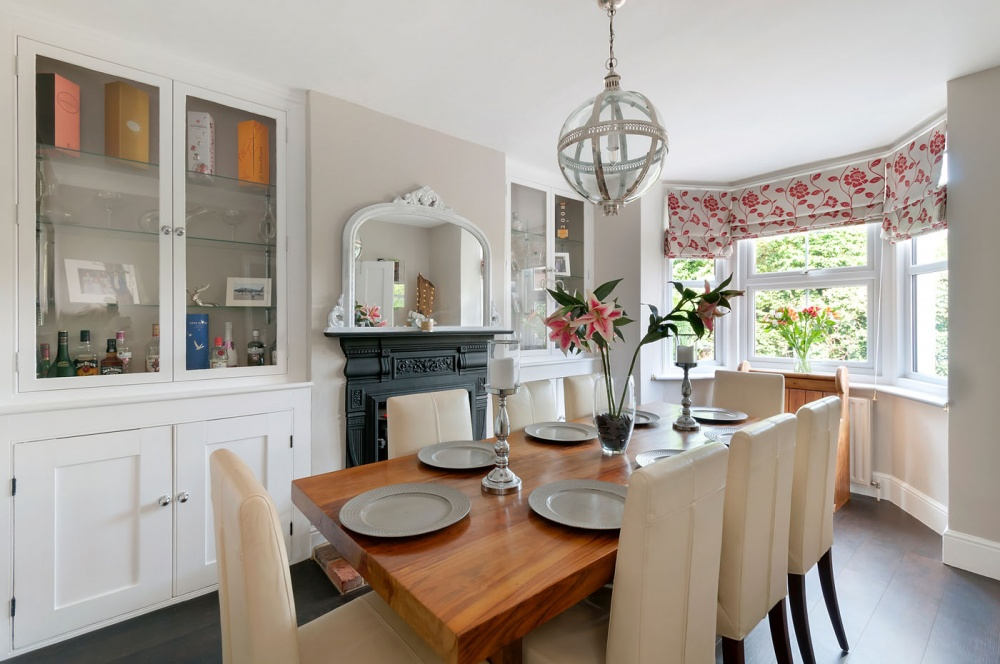 27 | Platts Heath | Price : 425000 | Bedrooms : 3