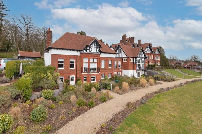 Bruce Manor Close,  Wadhurst,