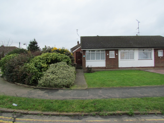 Winton Drive,  Cheshunt,