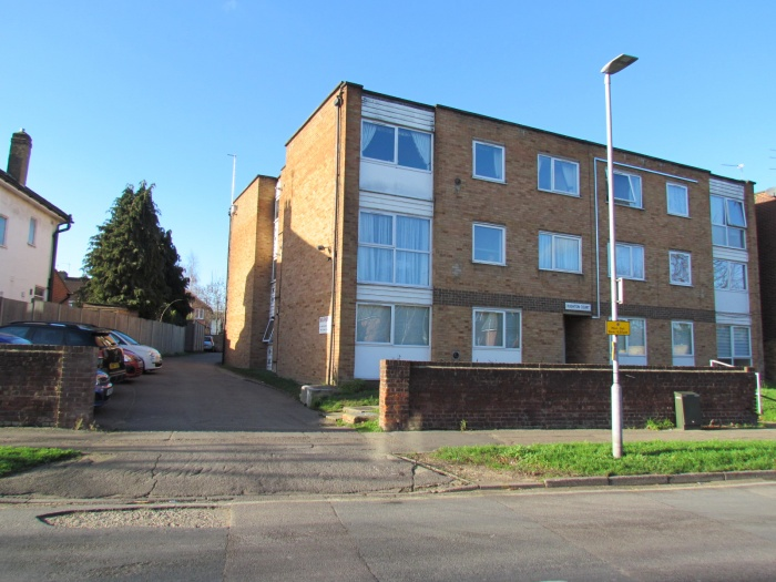 Rushton Court,  Cheshunt,