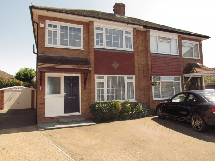Bromleigh Close,  Cheshunt,