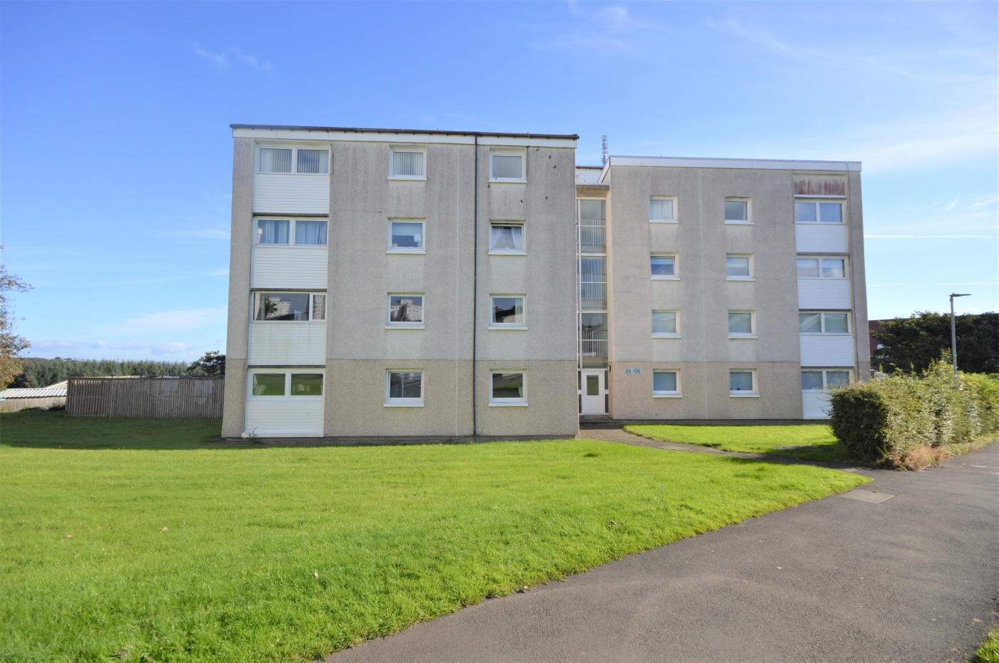 Estate agents east kilbride cumbernauld and strathaven for Beds east kilbride