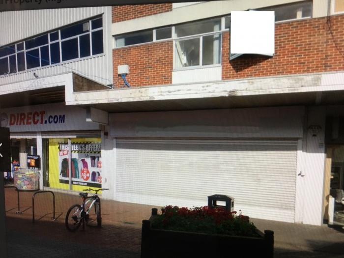Commercial property to lease on the main high street