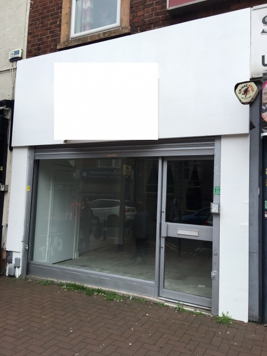 Lock up Retail unit available on the Bearwood high st retail, takeaway, restaurant licence available