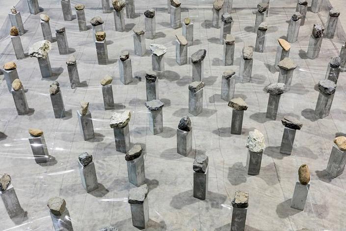 Kishio Suga Law of Multitude, 1975/2016 (detail). Courtesy of the artist, Guggenheim Abu Dhabi and Pirelli HangarBicocca, Milan Photo: Agostino Osio