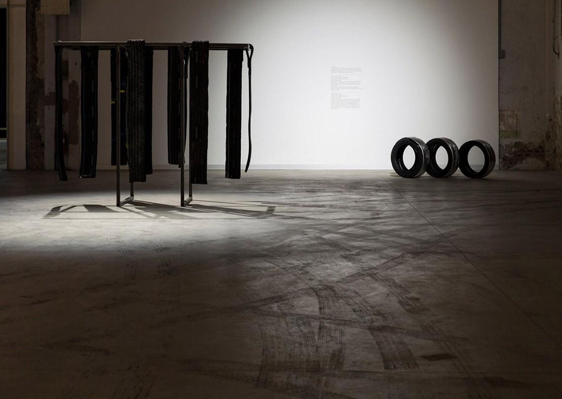 Céline Condorelli Nerofumo, 2014 Courtesy l'artista, Fondazione HangarBicocca, Milano Foto Agostino Osio