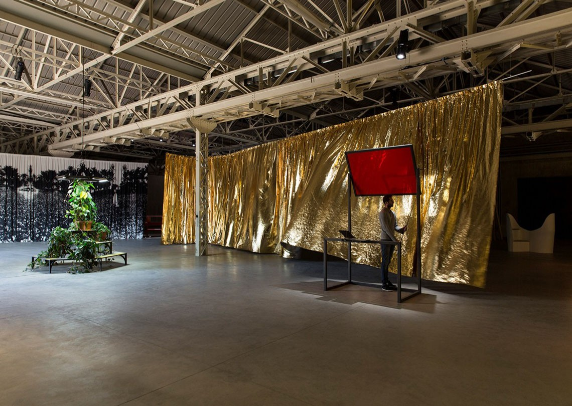 Céline Condorelli Veduta della mostra bau bau Courtesy Fondazione HangarBicocca, Milano Foto Agostino Osio