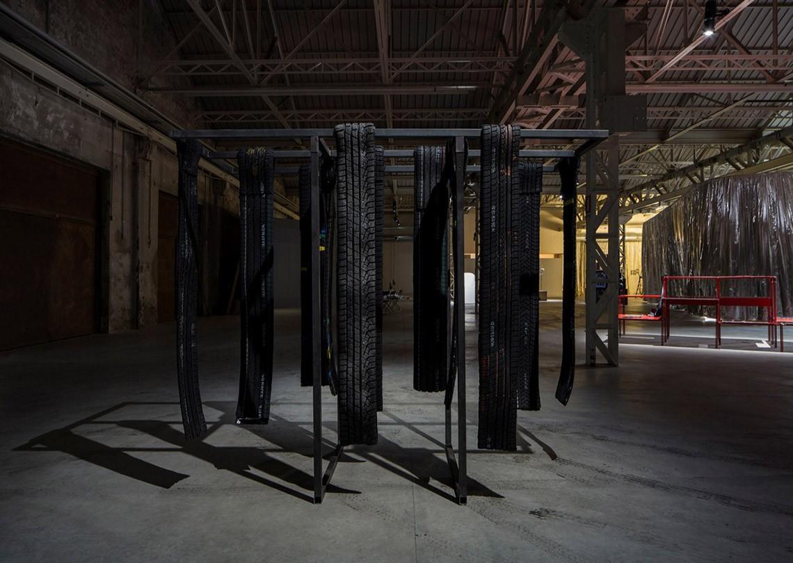 Céline Condorelli Nerofumo, 2014 (dettaglio) Courtesy l'artista, Fondazione HangarBicocca, Milano Foto Agostino Osio
