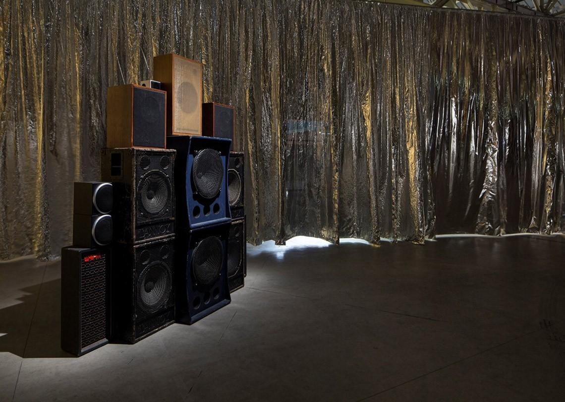 Céline Condorelli Structure for Listening, 2012 Courtesy l'artista, Fondazione HangarBicocca, Milano Foto Agostino Osio