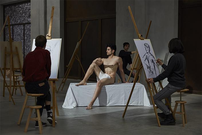 Patrizio Di Massimo, Self-Portrait as a Model (Take Me, I am Yours), 2017. Courtesy Patrizio Di Massimo, T293, Roma e Pirelli HangarBicocca, Milano. Foto: Agostino Osio