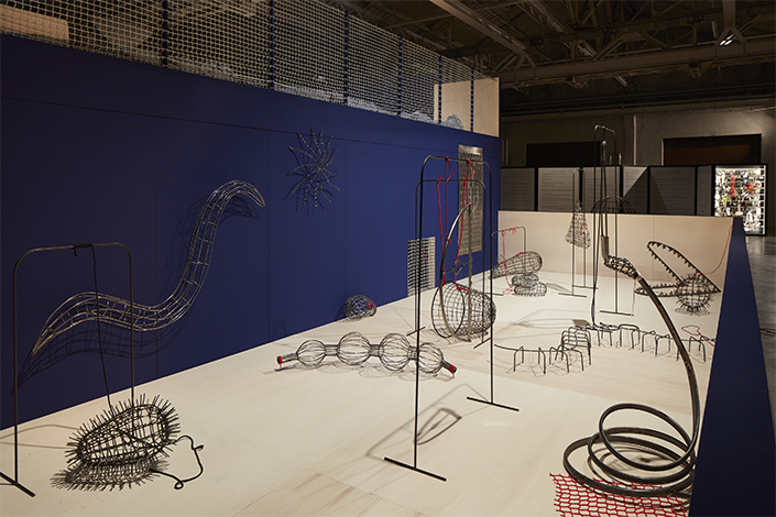 Eva Kot'átková The Dream Machine is Asleep, 2018, installation view at Pirelli HangarBicocca, Milan, 2018. Commissioned and produced by Pirelli HangarBicocca, Milan. Courtesy of the artist. Photo: Agostino Osio