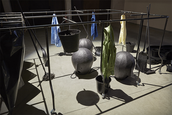 Eva Kot'átková Feeding the Cleaning Machine with what Others Didn't Finish, 2018, installation view at Pirelli HangarBicocca, Milan, 2018. Commissioned and produced by Pirelli HangarBicocca, Milan. Courtesy of the artist. Photo: Agostino Osio