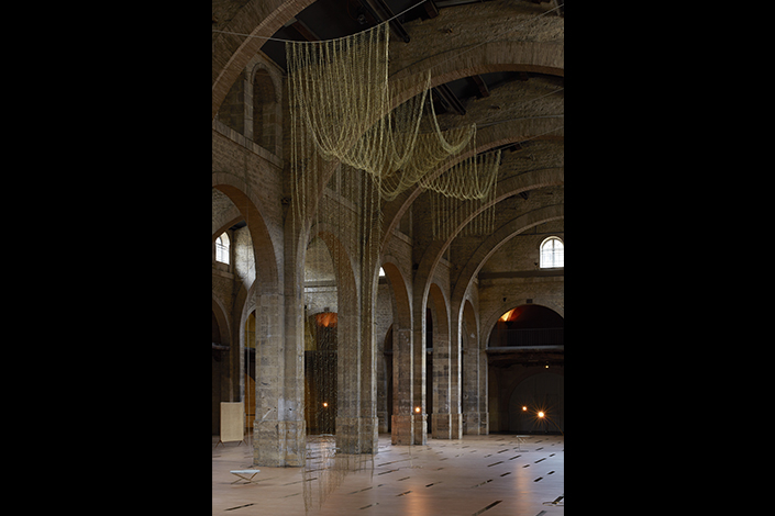 Leonor Antunes the pliable plan, 2016 Veduta dell'installazione, CAPC Musée d'art Contemporain de Bordeaux, Bordeaux, 2017 Courtesy dell'artista e CAPC, Bordeaux 2017 Foto: Nick Ash