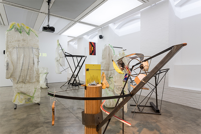 Neïl Beloufa Exhibition view, Institute of Contemporary Arts, London, 2014 Courtesy the artist, Balice Hertling, Paris, François Ghebaly, Los Angeles, Mendes Wood DM, São Paulo and Zero…, Milan Photo: Andrea Rossetti