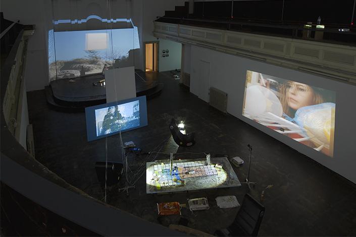 Trisha Baga Veduta della mostra, Zabludowicz Collection, Londra, 2014 Courtesy l'artista, Greene Naftali, New York e Zabludowicz Collection, Londra Foto: Andy Keate