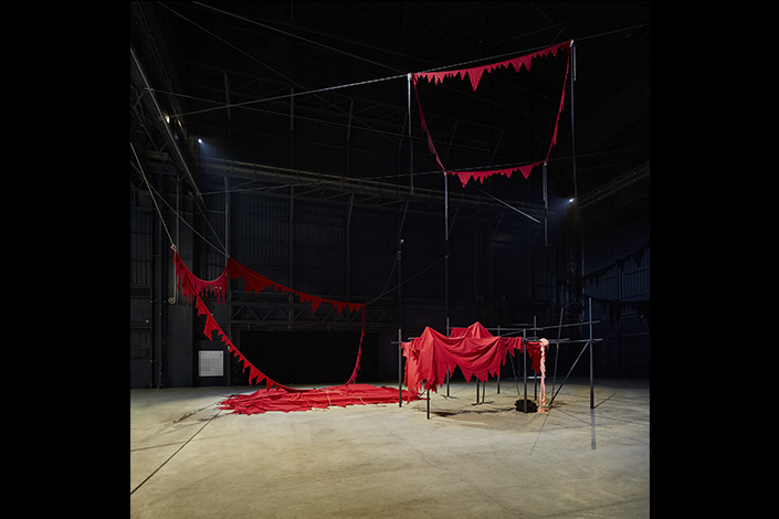 Sheela Gowda And That Is No Lie, 2015 It Stands Fallen, 2015-2016 Installation view at Pirelli HangarBicocca, Milan, 2019 Courtesy of the artist and Pirelli HangarBicocca Photo: Agostino Osio