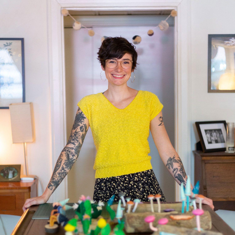 """""""No pressure"""" fiber art with Amanda Adams"""