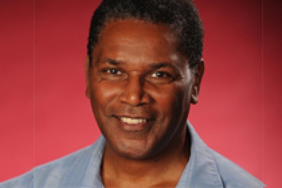 Alvin Mayes Awarded Provost`s Inaugural PTK Award