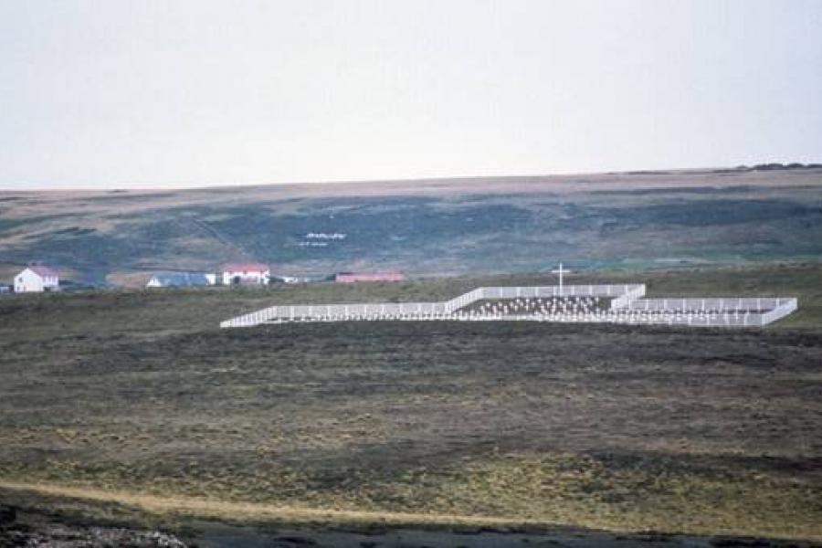 Argentine peace laureate visits Falkland Islands -...