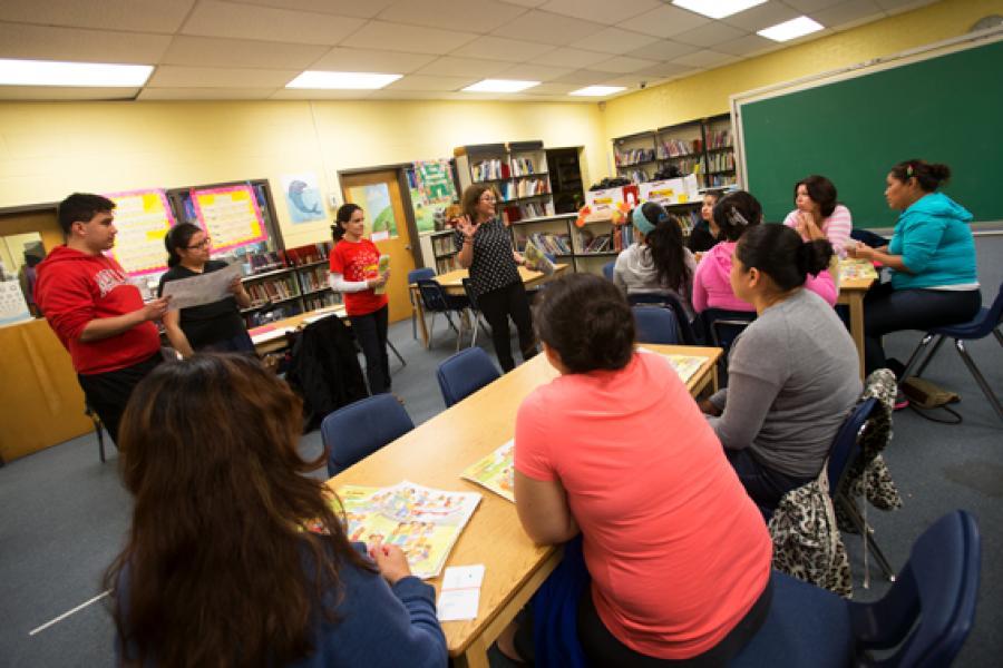 Bilingual Mingle: UMD Students Teach English to Local Parents