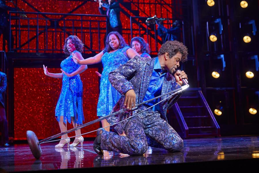 Dreamgirls shows at Savoy Theatre cancelled as actors hit by bug