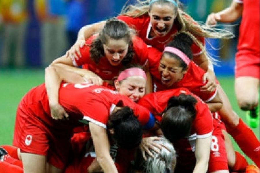 For Kicks Podcast, Episode 22: CANWNT vs MEXWNT friendly, a chat...
