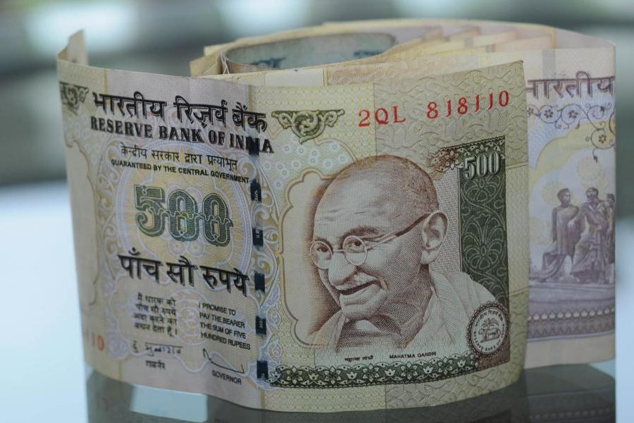 How India`s Currency Crisis Could Shape Its Economy
