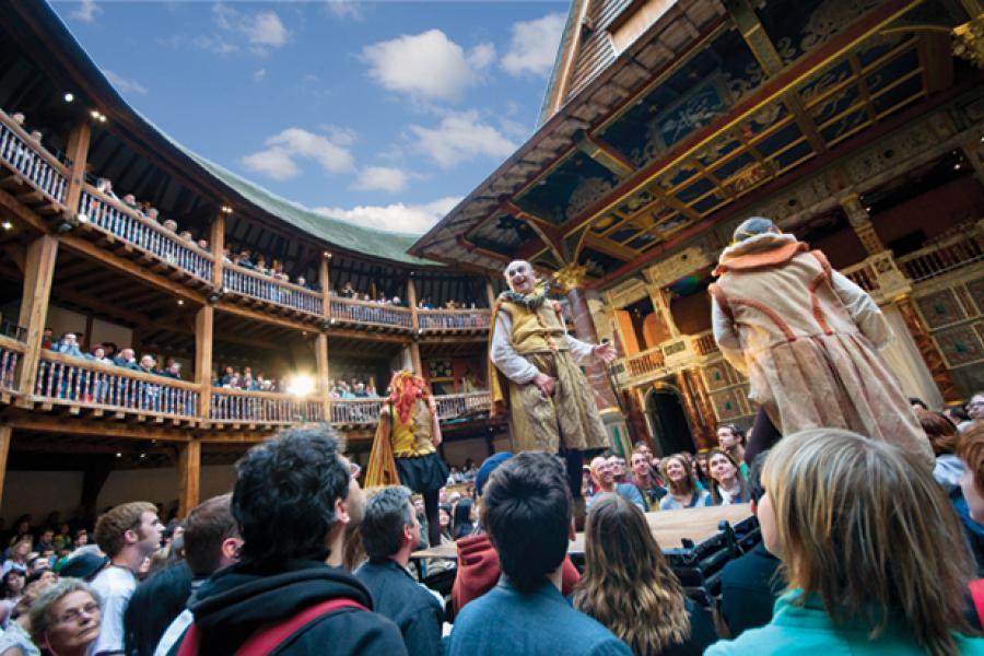 Living History:UMD Professor Helps Renew Shakespeare`s Globe