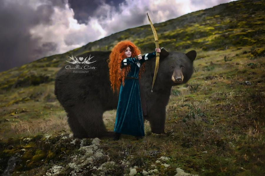 Mom and daughter cosplay as Disney characters and create amazing photos