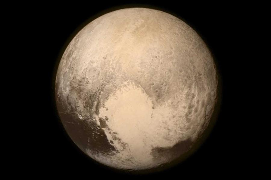 Washington Post: Pluto`s Icy Heart May Hide An Underground Ocean, Says James Keane (B.S. `11)