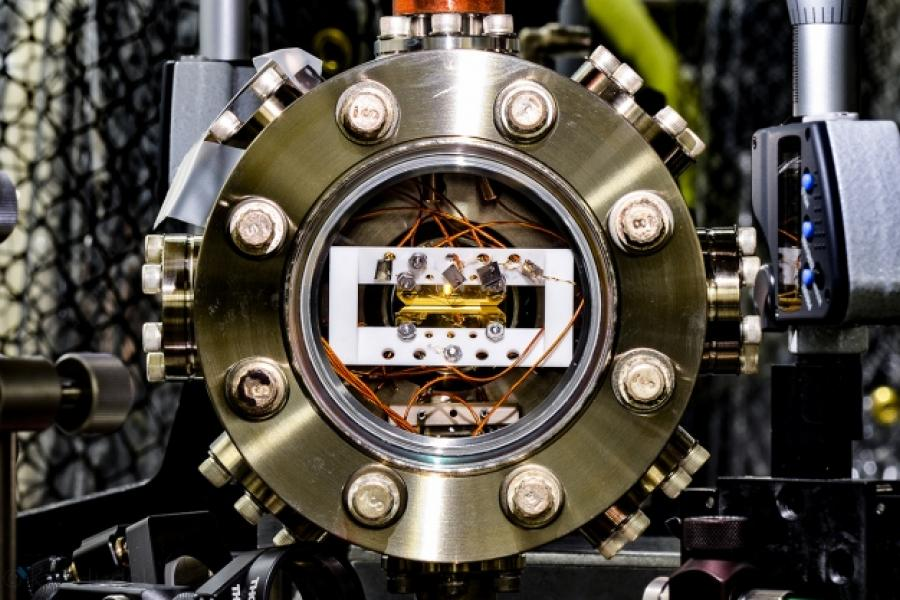 Nature: Quantum Computers Ready to Leap Out of the Lab in 2017