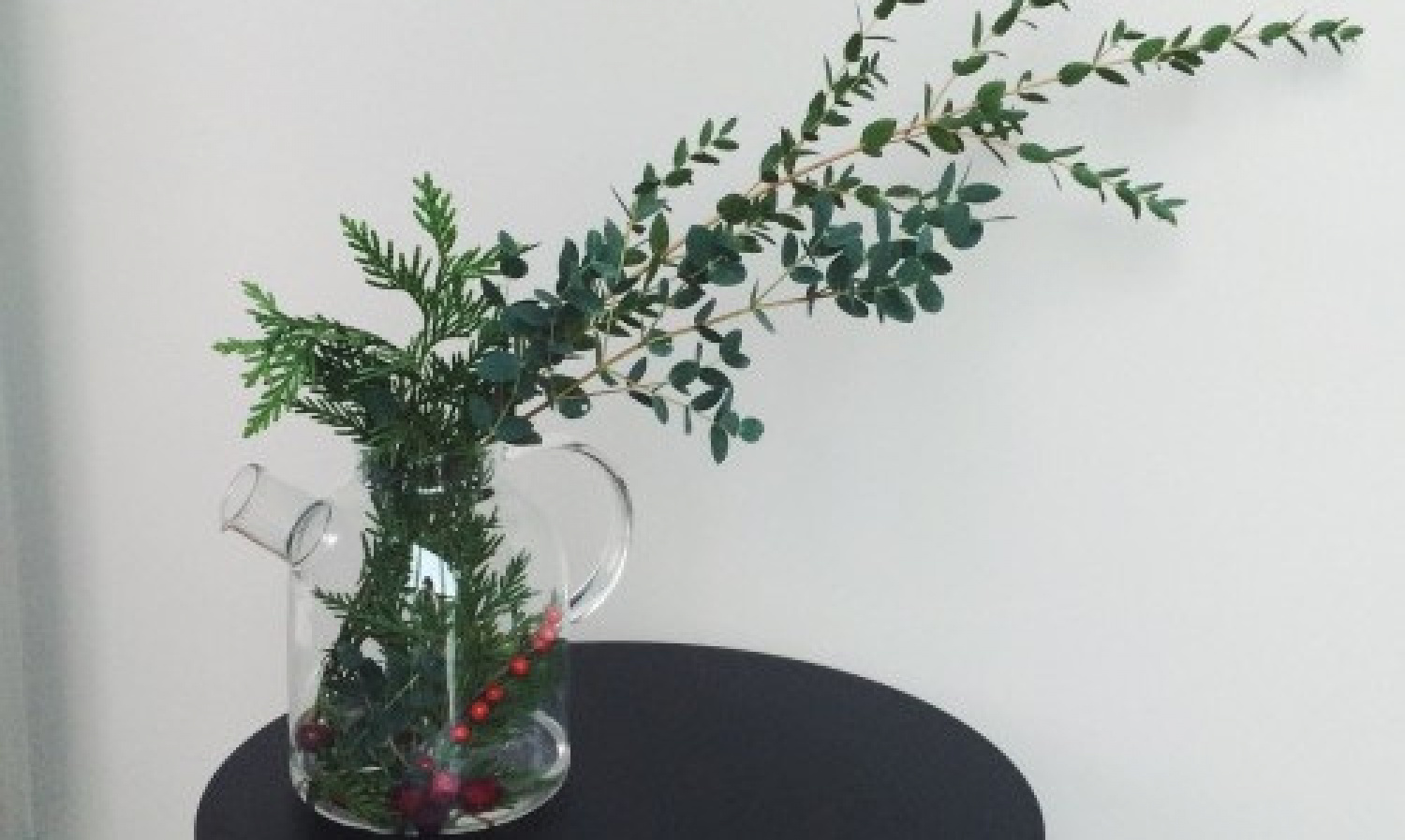 Holiday Bouquets with Fresh Eucalyptus and Cranberries |...