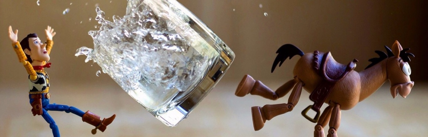 This photographer creates crazy Toy Stories using practical...