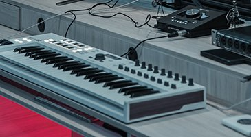 Want to Start Writing House Music? Read This Guide