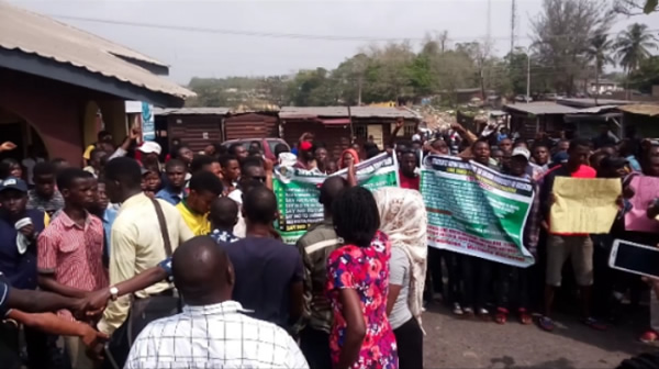 PHOTOS: TASUED students protest hike in fees